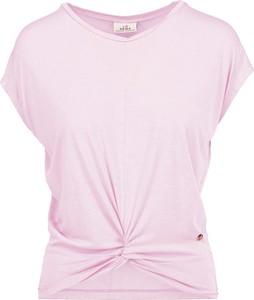 Różowy top Deha w sportowym stylu