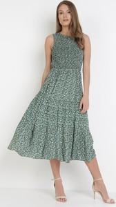 Sukienka born2be trapezowa z okrągłym dekoltem bez rękawów