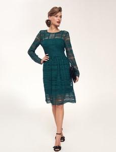 Zielona sukienka Top Secret z okrągłym dekoltem z długim rękawem midi