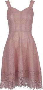 Sukienka VISSAVI z dekoltem w kształcie litery v rozkloszowana bez rękawów
