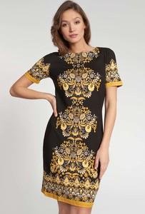 Sukienka QUIOSQUE z krótkim rękawem mini prosta