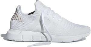 Buty sportowe Adidas sznurowane w sportowym stylu