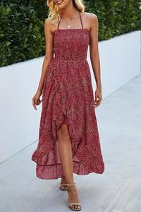 Czerwona sukienka IVET z dekoltem w kształcie litery v na ramiączkach midi