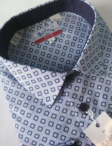 Koszula Bodara w młodzieżowym stylu z klasycznym kołnierzykiem