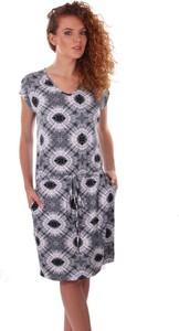 Sukienka Niren z okrągłym dekoltem w stylu casual