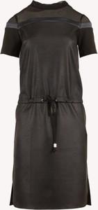 Czarna sukienka Larime