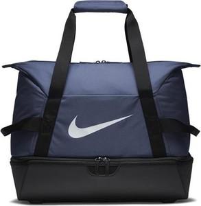 3727645f4405f torby nike sportowe - stylowo i modnie z Allani