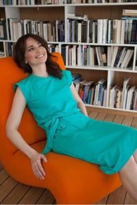 Niebieska sukienka butik-choice.pl z dresówki z okrągłym dekoltem