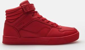 Czerwone buty sportowe Cropp