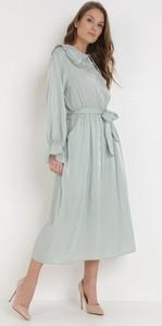 Miętowa sukienka born2be z kołnierzykiem w stylu casual z długim rękawem