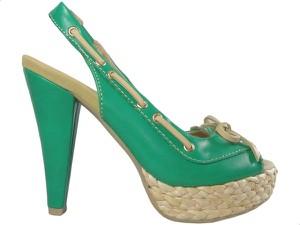 Zielone sandały Kokietki na platformie z klamrami