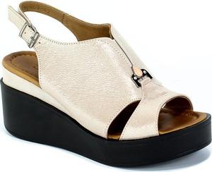 Sandały Boccato w stylu casual z klamrami ze skóry