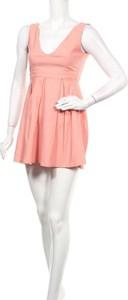 Różowa sukienka Kling bez rękawów mini