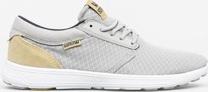Buty sportowe Supra w sportowym stylu