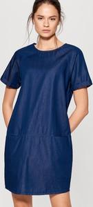 Niebieska sukienka Mohito z krótkim rękawem na co dzień