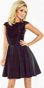 Czarna sukienka NUMOCO rozkloszowana mini z krótkim rękawem
