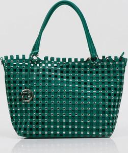 Zielona torebka Monnari w wakacyjnym stylu duża do ręki