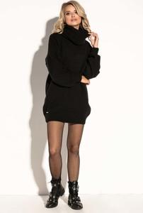 Czarna sukienka Fobya z wełny z golfem
