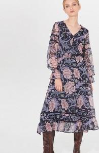 Sukienka Mohito z dekoltem w kształcie litery v rozkloszowana w stylu boho