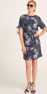Niebieska sukienka QUIOSQUE w stylu casual