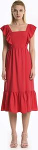 Czerwona sukienka Gate midi rozkloszowana