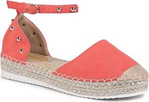 Czerwone sandały DeeZee w stylu retro ze skóry ekologicznej z klamrami