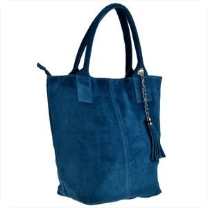 Niebieska torebka Borse in Pelle duża w wakacyjnym stylu zamszowa