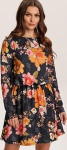 Sukienka Renee mini trapezowa z okrągłym dekoltem