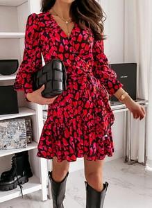 Czerwona sukienka Cikelly trapezowa z długim rękawem mini