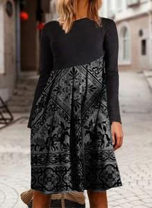 Sukienka Cikelly mini z okrągłym dekoltem z długim rękawem