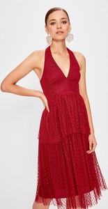 Sukienka Trendyol na ramiączkach midi z dekoltem w kształcie litery v
