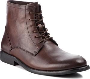 Brązowe buty zimowe Kazar sznurowane w militarnym stylu