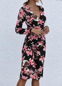 Sukienka Cikelly ołówkowa z długim rękawem