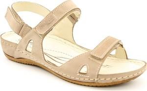 Sandały Helios w stylu casual na koturnie