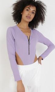 Fioletowa bluzka born2be w stylu casual z długim rękawem z dekoltem w kształcie litery v