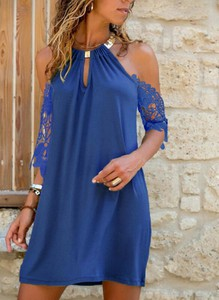 Sukienka Sandbella z długim rękawem mini z dekoltem typu choker