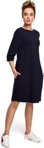 Granatowa sukienka MOE z okrągłym dekoltem oversize z długim rękawem