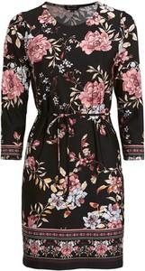 Sukienka Happy Holly z okrągłym dekoltem w stylu casual mini