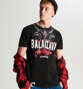 Czarny t-shirt Cropp z krótkim rękawem