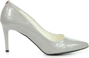 Chwalebne juma buty szpilki - stylowo i modnie z Allani TA92