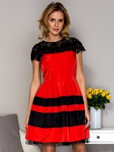 Sukienka Sheandher.pl z krótkim rękawem z okrągłym dekoltem