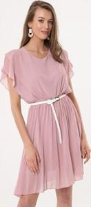 Różowa sukienka born2be mini