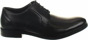 Czarne buty Clarks sznurowane