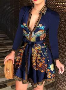 Granatowa sukienka Arilook w stylu casual z długim rękawem