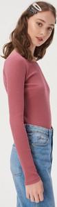 Różowa bluzka Sinsay z okrągłym dekoltem