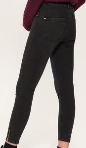 Jeansy House w młodzieżowym stylu z jeansu
