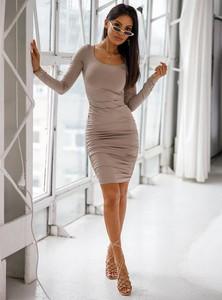 Sukienka SELFIEROOM z długim rękawem w stylu casual dopasowana