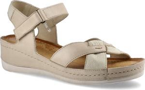 Sandały Wasak w stylu casual na koturnie