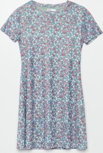 Niebieska sukienka Cropp mini z okrągłym dekoltem