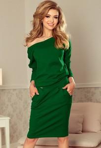 Zielona sukienka NUMOCO z dresówki w sportowym stylu midi
